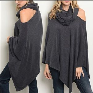 Sweaters - 🎉Host Pick🎉Poncho with Scarf